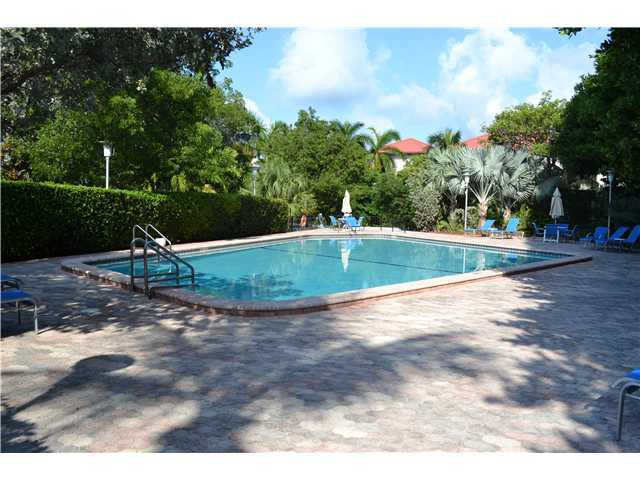 Commodore Club Condos for Sale | Key Biscayne Real Estate
